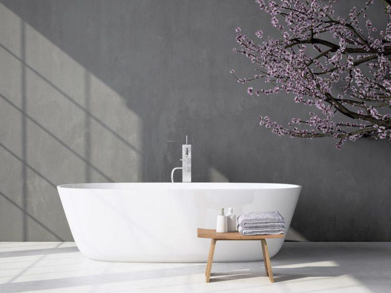 Eine moderne Badewanne